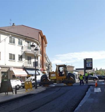 Operaciones de asfaltado de varias localidades (Ávila)