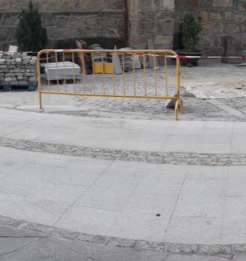 Reparación del pavimento de la Plaza Escarabajosa y rampa de acceso. Santa María del Tiétar (Ávila)